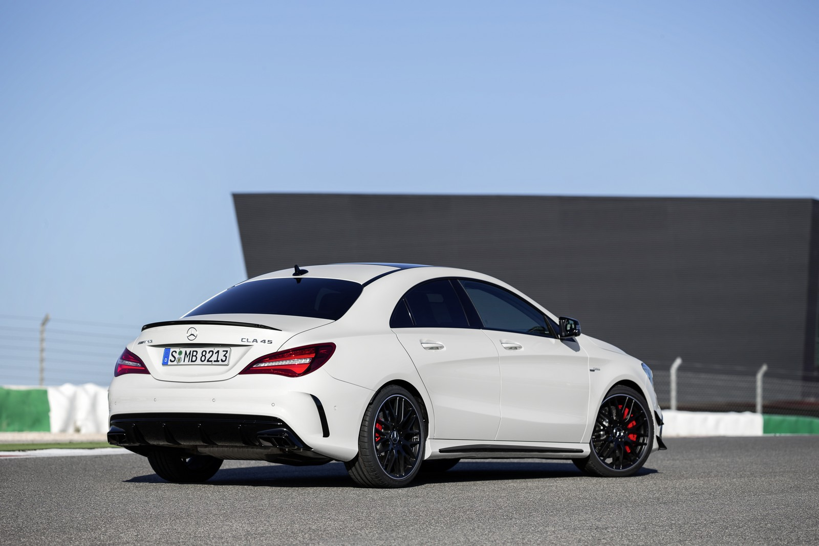 http://www.amginyears.com/wp-content/uploads/CLA-45-AMG-Facelift.jpg