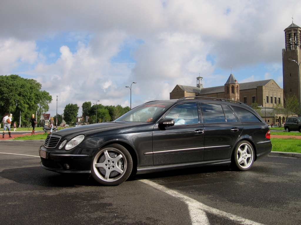 Mercedes benz e class amg amg in years for Mercedes benz 350 amg