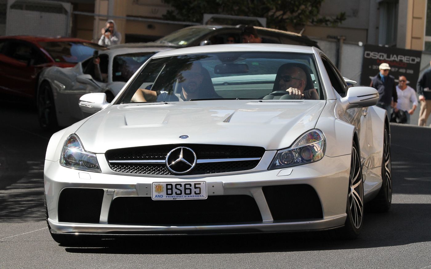 spotted sl 65 amg black series amg in years. Black Bedroom Furniture Sets. Home Design Ideas