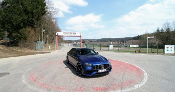 Discovering old Spa-Francorchamps circuit with the Mercedes-AMG E 63 S 4MATIC+