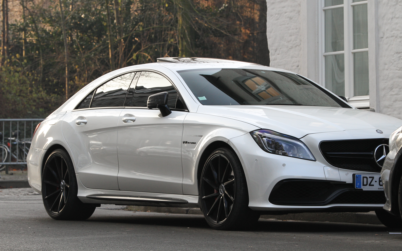 spotted cls 63 s amg facelift amg in years. Black Bedroom Furniture Sets. Home Design Ideas